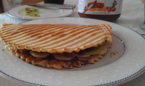 Karışık Waffle Tost Tarifi 2