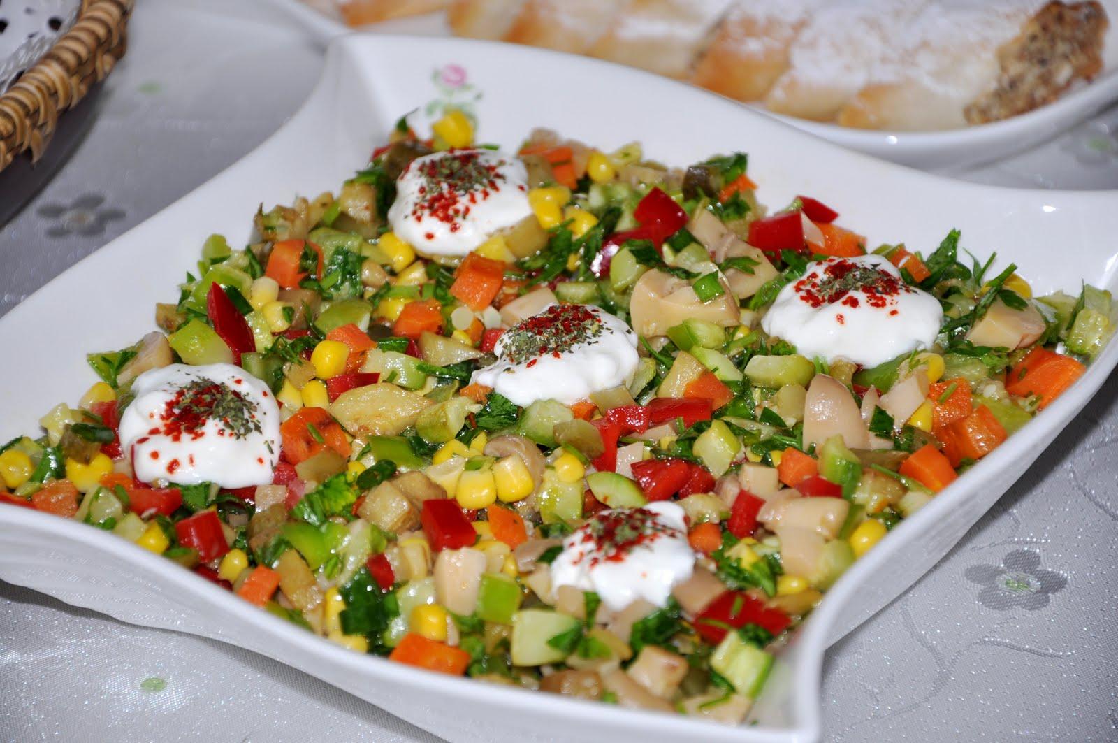 Tavuklu Kabak Salatası Tarifi – Salata Tarifleri