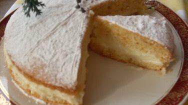 Alman Pastası Tarifi ve Malzemeleri