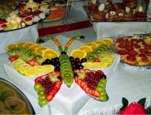 Yoğurtlu Salata Tarifleri Sunumu