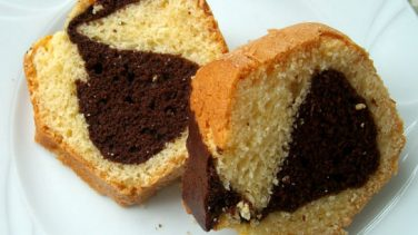 Çikolatalı Yumuşak Kek Tarifi