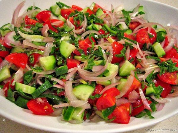 domates-salatasi  (1)