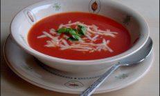 Kıtır Ekmekli Domates Çorbası