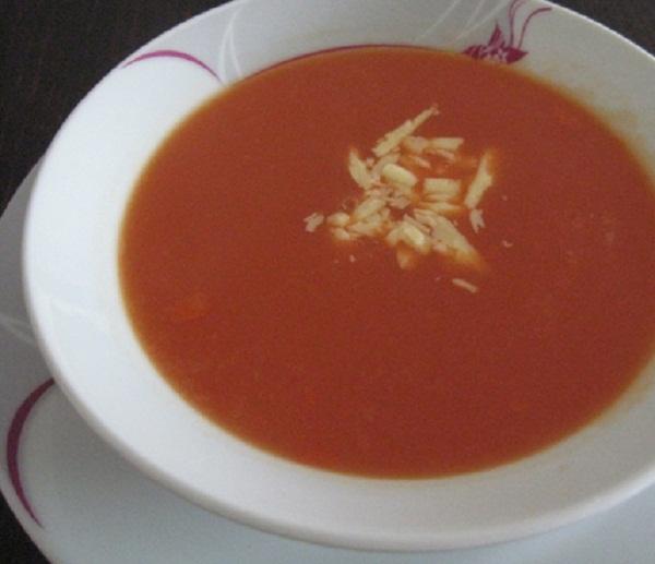 Rendelenmiş Kaşar Peynirli Domates Çorbası 2