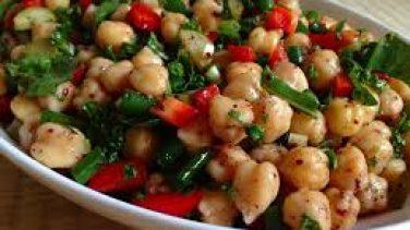 Zeytinyağlı Nohut Salatası