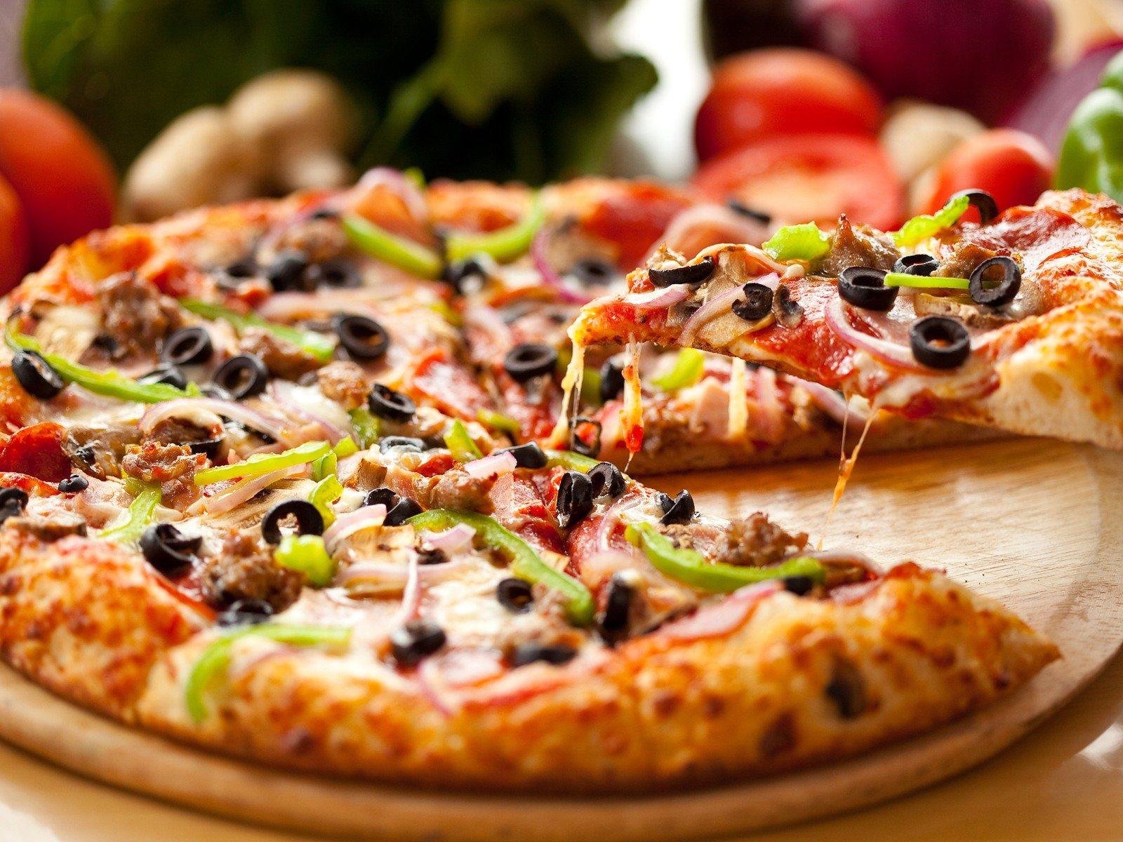 Karışık Pizza Tarifi 2