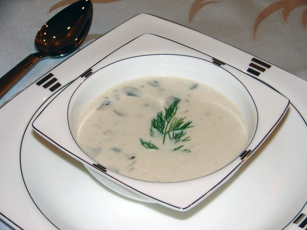 Zeytinyağlı Mantar Çorbası Tarifi 4