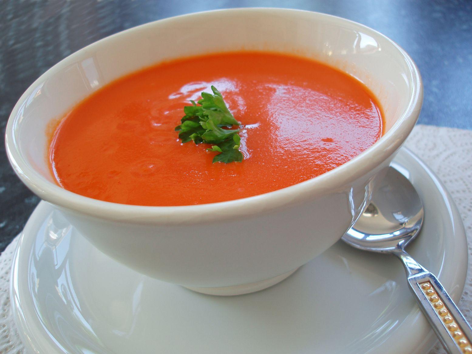 Taze Naneli Domates Çorbası 3