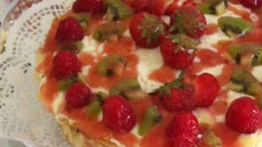 Yılbaşı Pasta Tarifi Meyveli