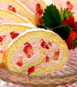 Çilekli Rulo Pasta Tarifi 2
