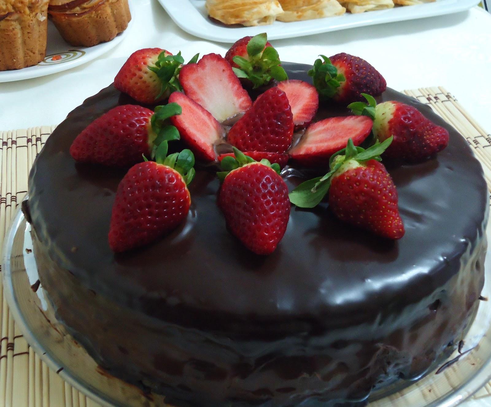 Çilekli Pasta Tarifi, Meyveli Pasta, Yaş Pasta,Pasta Tarifi 1