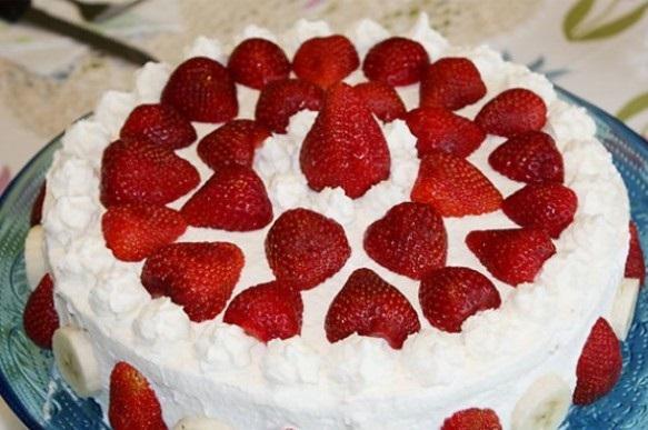 Çilekli Pasta Tarifi, Meyveli Pasta, Yaş Pasta,Pasta Tarifi 5