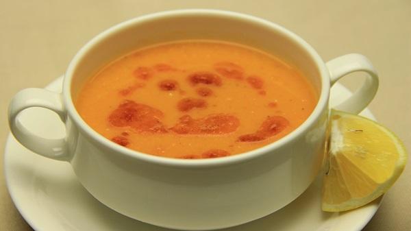 Eşsiz mercimek çorbası