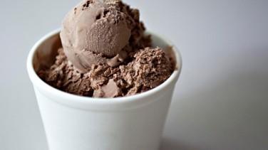 Evde Çikolatalı Dondurma Yapımı